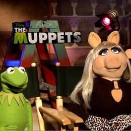 Kermit und Miss Piggy über Paris und die Dreharbeiten - OV-Interview Poster