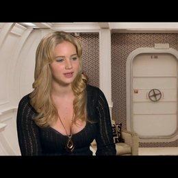 Jennifer Lawrence über das erste Treffen mit Charles Xavier - OV-Interview Poster