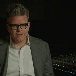 Christopher McQuarrie - Regisseur - über Tom Cruise als Produzenten - OV-Interview Poster