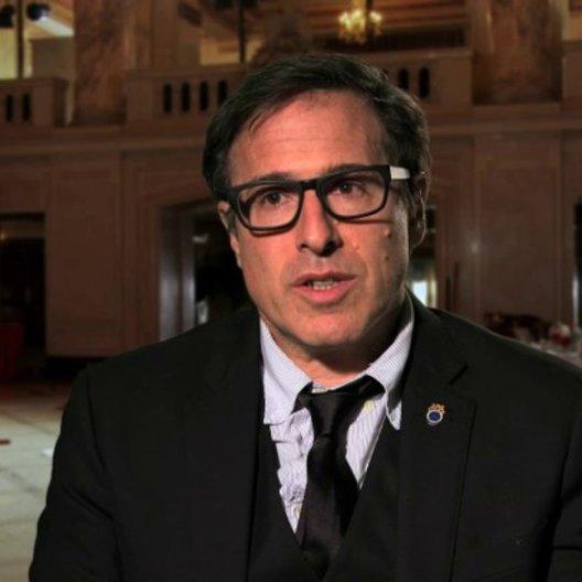 David O Russell - Regie -  über die Romanzen im Film - OV-Interview