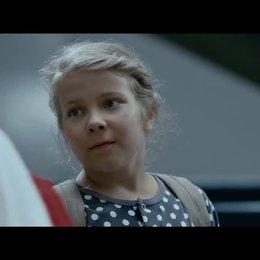 Ella und das große Rennen (OmdU) - Trailer Poster