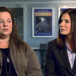 Sandra Bullock - Ashburn - und Melissa McCarthy - Mullins - über die Geschichte - OV-Interview Poster