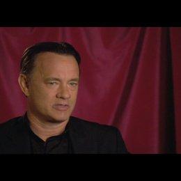 """Tom Hanks (""""Robert Langdon"""") über das Besondere am Film - OV-Interview Poster"""