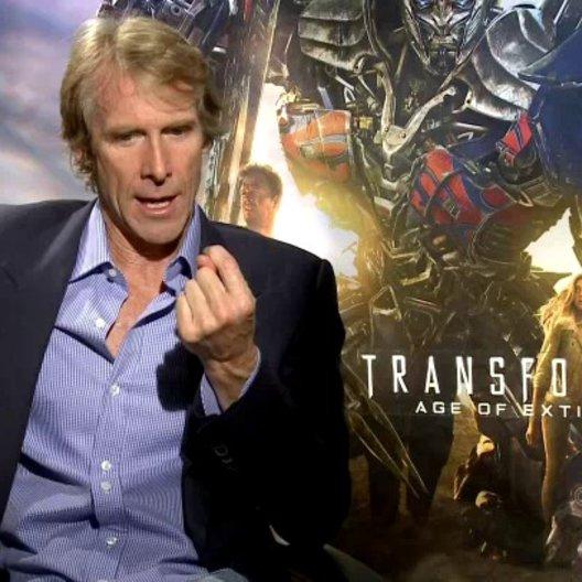 Michael Bay - Regisseur - über die neuen Elemente in TRANSFORMERS - OV-Interview Poster