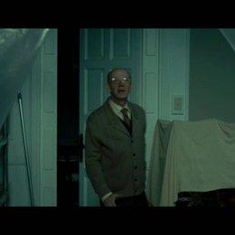 Dr Matteson und Dr Buckley treffen bei ihrem ersten Fall ein - Szene Poster