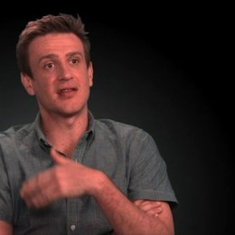 Jason Segel (Jay) über seine Rolle - OV-Interview Poster