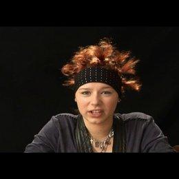 Selina Shirin Müller (Hanna) über Hanna - Interview Poster