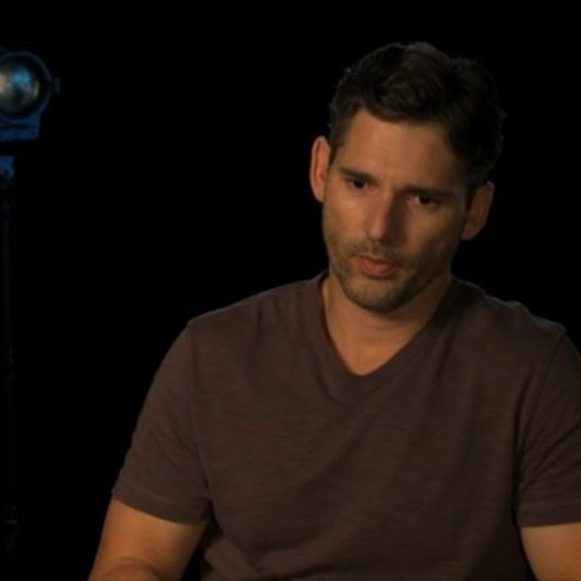 Eric Bana über den echten Ralph Sarchie am Set - OV-Interview Poster