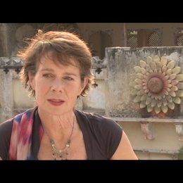 Celia Imrie - Madge - über das Besondere des Films - OV-Interview