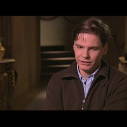 Daniel Brühl über die Zusammenarbeit mit Tarantino - Interview Poster