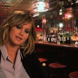 Jennifer Lawrence - Rosalyn Rosenfeld - über den Film - OV-Interview Poster