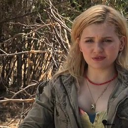 Abigail Breslin über ihre Vorbereitung auf die Rolle - OV-Interview Poster