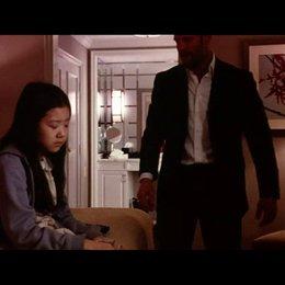 Luke mit Mei im Hotel - Szene Poster