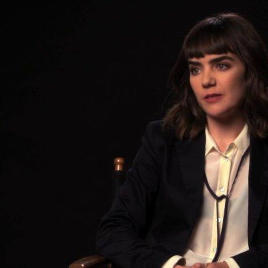 Ana Coto über die Arbeit mit einem Ouijabrett - OV-Interview