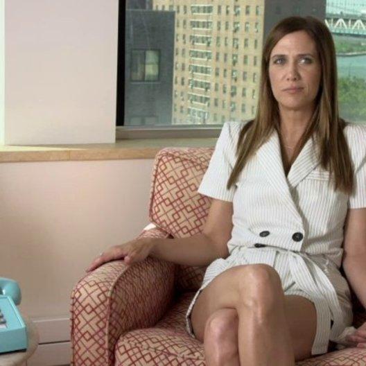 Kristen Wiig - Cheryl Melhoff - über die Beziehung von Walter und Cheryl - OV-Interview Poster