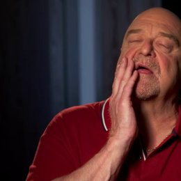 John Goodman - Frank - über den Regisseur - OV-Interview Poster