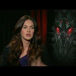 Megan Fox (Mikaela) über das Schauspielern mit den TRANSFORMERS - OV-Interview Poster