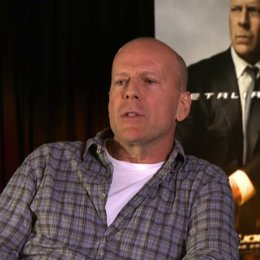 Bruce Willis (General Joe Colton) was Ehre für den Film bedeutet - OV-Interview Poster