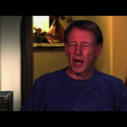 Dennis Dugan über die Story - OV-Interview
