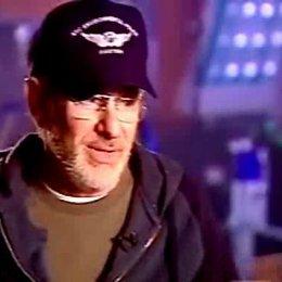Steven Spielberg über Invasionsfilme, menschliche Urängste und seinen Hauptdarsteller Tom Cruise (Englisch). - OV-Interview