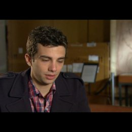 Jay Baruchel (Kirk) über den Regisseur - OV-Interview Poster