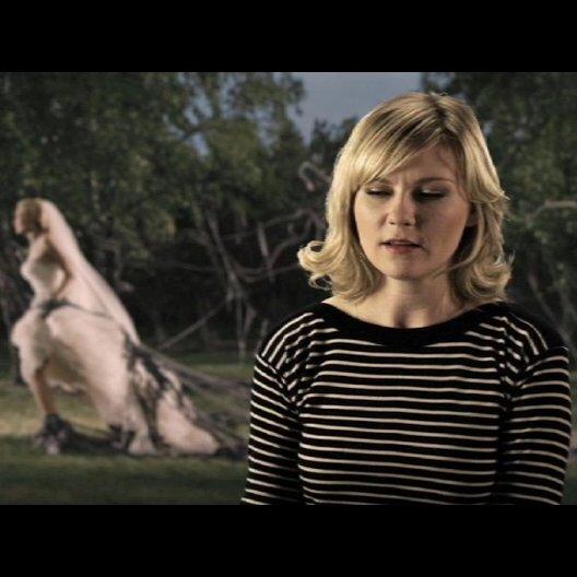 Kirsten Dunst über ihre Nacktszenen im Film - OV-Interview Poster