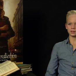 Nico Liersch - Rudi Steiner - über die Bedeutung von Buechern fuer Liesel - Interview Poster