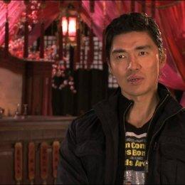 Rick Yune über RZA als Regisseur - OV-Interview Poster