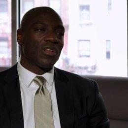 Adewale Akinnuoye Agbaje - Nash - über die Zeitlosigkeit der Story - OV-Interview