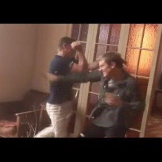 Daniel Craig in spektakulären Stuntszenen, dazu ein Einblick in das Kampftraining mit Stunt-Double Ben Cooke. - Featurette