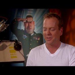 Kiefer Sutherland / über den Spass beim Dreh - OV-Interview Poster
