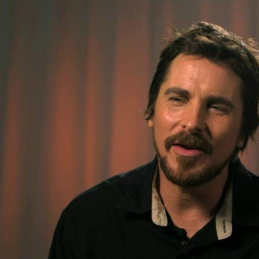 Christian Bale - Irving Rosenfeld -  über Irving Rosenfeld - OV-Interview