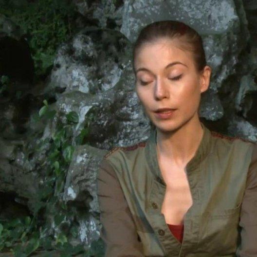 Nora von Waldstaetten - Cassi - über ihr Verhältnis zu den Fünf Freunden - Interview Poster