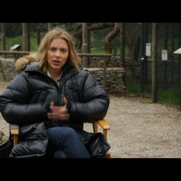 Scarlett Johansson - Kelly Foster - über die Arbeit mit Matt Damon - OV-Interview Poster