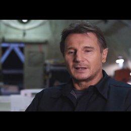 """Liam Neeson - """"Hannibal"""" über seine Rolle - OV-Interview Poster"""
