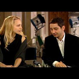 Petra Schmidt-Schaller und Denis Moschitto (Gabi und Ali) über Ali - Interview Poster