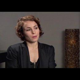 Noomi Rapace über ihre Figur Lisbeth - OV-Interview Poster