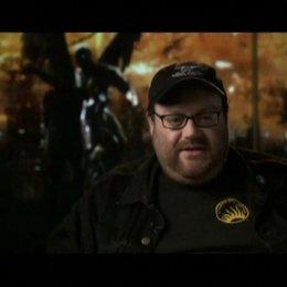 Interview mit Regisseur und Produzent John Moore - OV-Interview Poster