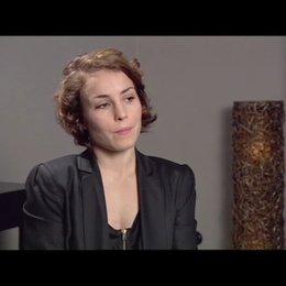 Noomi Rapace (Lisbeth Salander) über ihre Figur Lisbeth - OV-Interview Poster