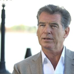 Pierce Brosnan über seine Rolle - OV-Interview Poster