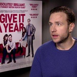 Rafe Spall (Josh) über seine Rolle - OV-Interview Poster