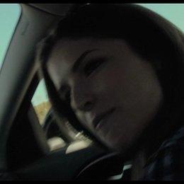 Brian Taylor und Janet singen im Auto - Szene Poster