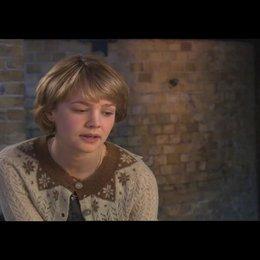 Carey Mulligan über ihre Rolle - OV-Interview Poster