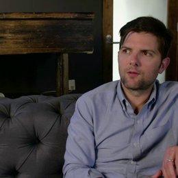 Adam Scott - Ted Hendricks - über die Beziehung zwischen Walter und Cheryl - OV-Interview Poster