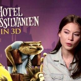 Nora von Waldstätten darüber was den Film auszeichnet - Interview Poster