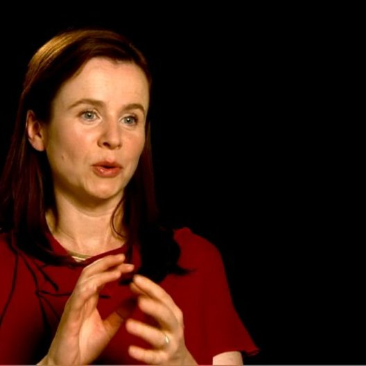 Emily Watson (Rosie Narracott) über Steven Spielbergs Adaption - OV-Interview