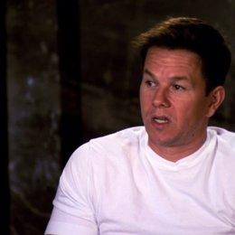 Mark Wahlberg über Ted und Johns Begegnung mit Sam Jones - OV-Interview Poster