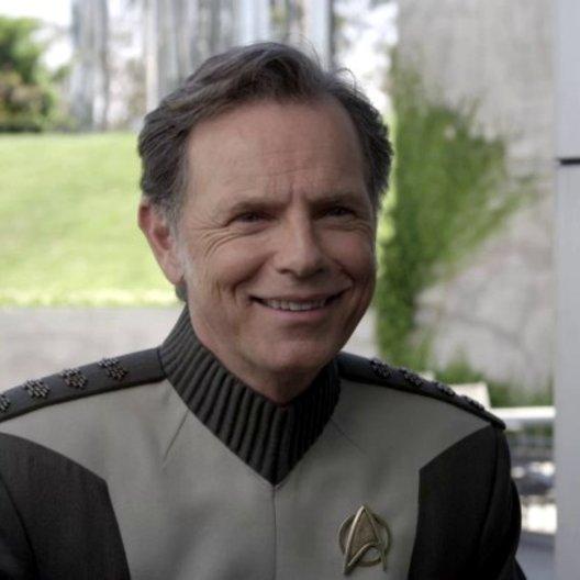 Bruce Greenwood - Captain Pike - über die Menschlichkeit der Charaktere - OV-Interview