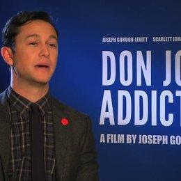 Joseph Gordon-Levitt über die Vor- und Nachteile neben Darsteller auch Regisseur sein - OV-Interview Poster