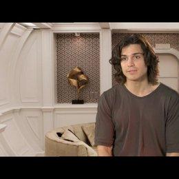 Alex Gonzalez über die Aussage des Films - OV-Interview Poster
